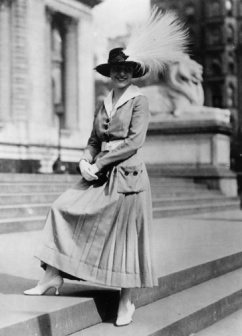 The rise of the bird-preservation movement at the end of the 19th century was in response to the slaughter of birds to adorn women's hats and clothing.