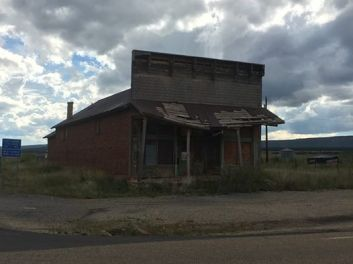 Abandonned adobe general store at Ocate, New Mexico
