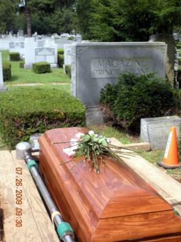 2009 - 07 - Bea Kaye's Funeral 14